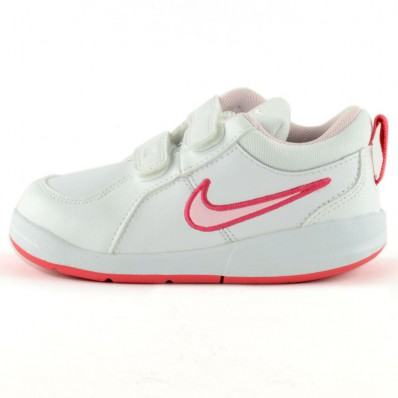 chaussure de sport nike blanche