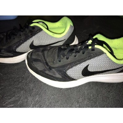 chaussure nike revolution 3