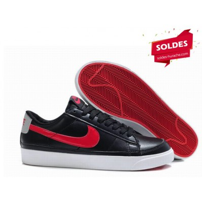 nike chaussure noire cuire