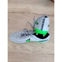 chaussures visées football nike